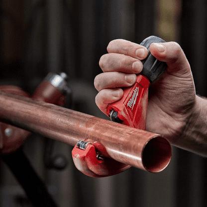 Corta-tubos Milwaukee 3-28mm cobre 48229259