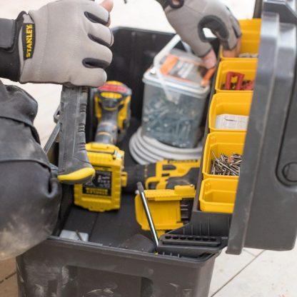 caixa de ferramentas 63cm pro alça de alumínio stanley fatmax FMST1-75791