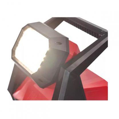 Luz de área de alta performance LED M18™ TRUEVIEW™, cabeça rotativa 120°, híbrido AC/DC, 3 modos - 1.200/2.000/4.000 Lumens. Fornecida em versão zero