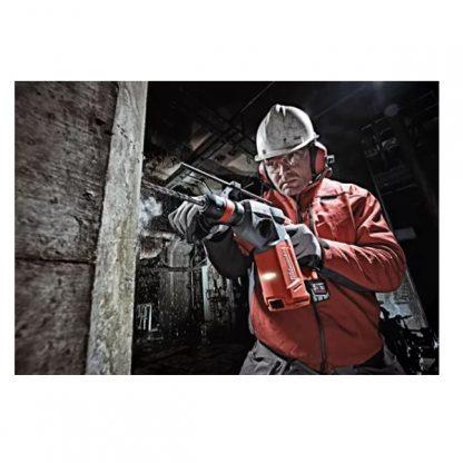 Martelo combi SDS-Plus M18 FUEL™, 4 modos, 2,5J de energia de impacto, capacidade máxima 26mm, vibração em cinzelagem 9,5m/s², 0-5100ipm, FIXTEC™. Fornecido em versão zero